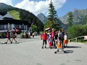 2 Family Walking High Tatras Hrebienok